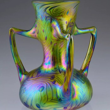Modern Czech small vase - Art Glass