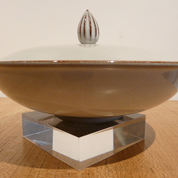 STUDIO FRIS CHOCOLATE BOWL & COVER - EDAM.