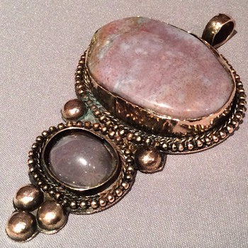 Large Vintage pendant - Costume Jewelry