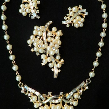 I like this set but.... - Costume Jewelry