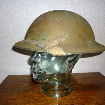 British WWII combat helmet with Polish insignia