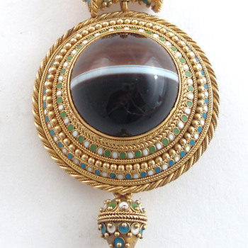 Victorian Archaeological Revival pendant  - Fine Jewelry