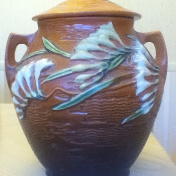"Roseville ""Freesia"" Cookie Jar - Art Pottery"