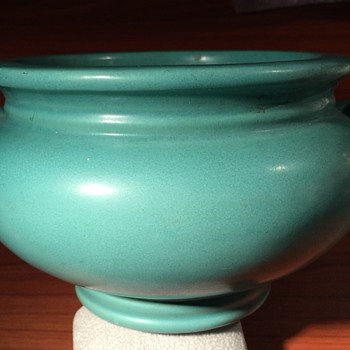 Matte Green Roseville Bowl - Art Pottery