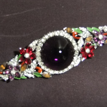 Trying to identify this 1930-40's pin, anyone? - Costume Jewelry