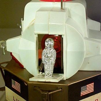 Apollo LM Lunar Module Astronaut Plastic Toy700