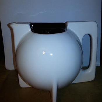 Art Deco Bauhaus attributed to Cowan Teapot           - Art Deco