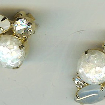 Unsigned White Iridescent Glass Stone Clip Earrings