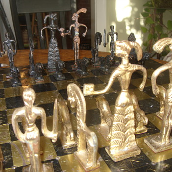Incredible Antique Chess Set - Games