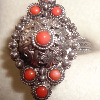 Beautiful filigree Silver Coral Ring - Victorian Era