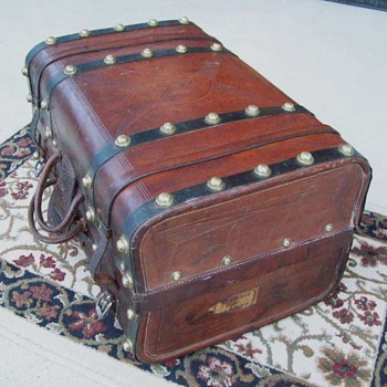 Civil War Valise (hand trunk) - Furniture