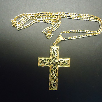 "18CARAT GOLD CROSS WITH 10"" CHAN"