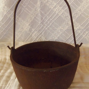 Cast Iron Dutch Oven (Does anyone have info?)