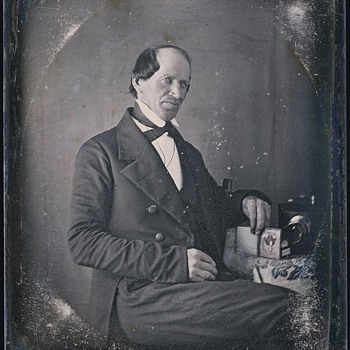 Daguerreotype with Chamfered Box Camera - Cameras