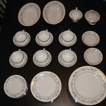 "Noritake ""Leonore"" - China and Dinnerware"