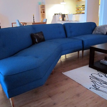 The Frayed Knot atomic sofa - Mid-Century Modern