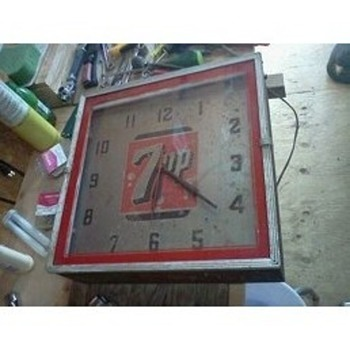 7 up clock - Clocks