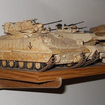 Tank Model Mania Bradley M2A2 - Model Cars