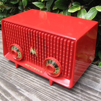 Vintage Space Age Jetsons Motorola Tube Radio 56R Bright Cherry Red! - Radios