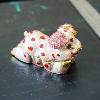 Playful Pig Trinket Box - Costume Jewelry