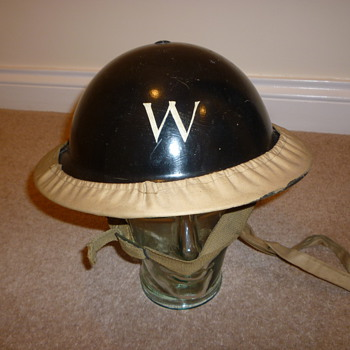 WWII British Wardens steel helmet with original carrier - Military and Wartime