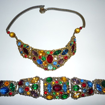 Demi-Parure rhinestone necklace and bracelet - Costume Jewelry