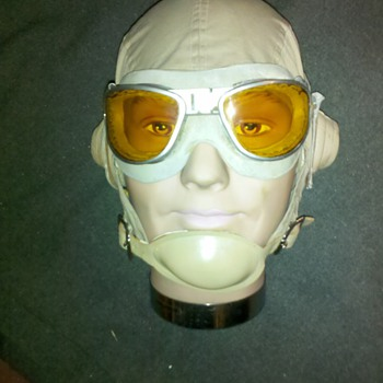 WWII US NAVY/ US MARINE CORPS Pacific Theater flight helmet & goggles - Military and Wartime