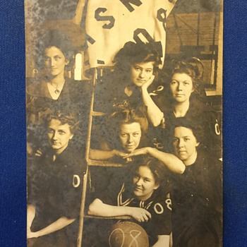 1908--OLD R.P.P.C. Womens Belive BasketBall Team Unknow what year or Team
