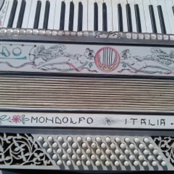 mondolfo, Italia accordion - Musical Instruments