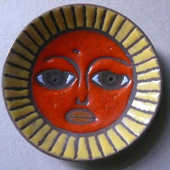 italian? sunny plate - Art Pottery