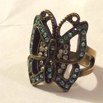 Vintage butterfly ring - Costume Jewelry
