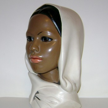 Chalkware Head Statue - Figurines