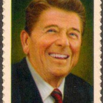 2005 - Ronald Reagan Postage Stamp (US)