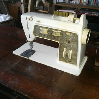Vintage Singer desk - Sewing