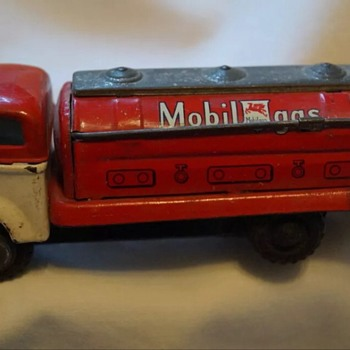 1950-60's Japan friction mobil gas truck - Model Cars