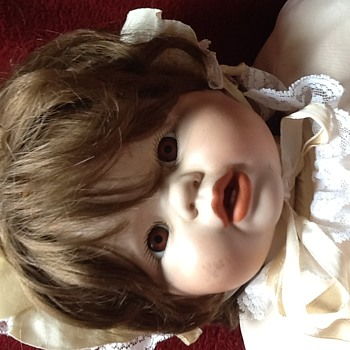 Pics of my mystery baby's clothes. - Dolls