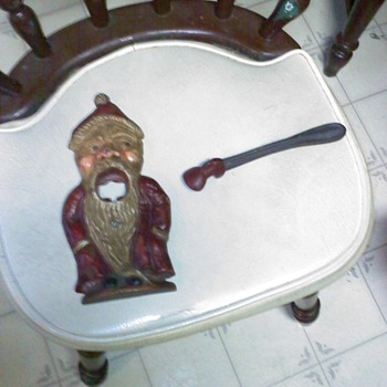 cast iron santa nut cracker
