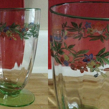 Help? Glasses with green base, colorful design - Glassware