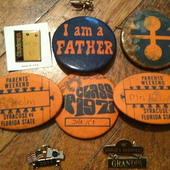 70s Pins LOT - Advertising