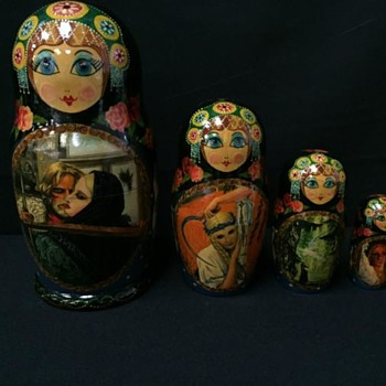 FIT TOGETHER DOLLS. LOOK TO BE  HANDPAINTED, RUSSIA?  - Dolls
