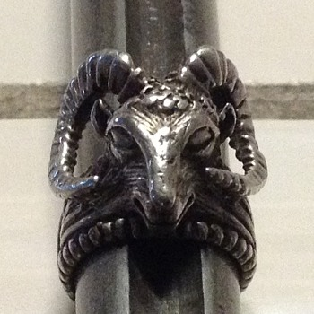Silver Rams-head ring - Fine Jewelry