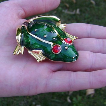 Trifari TM Frog Brooch - Costume Jewelry