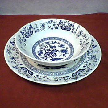 LARGE BOWL AND PLATTER