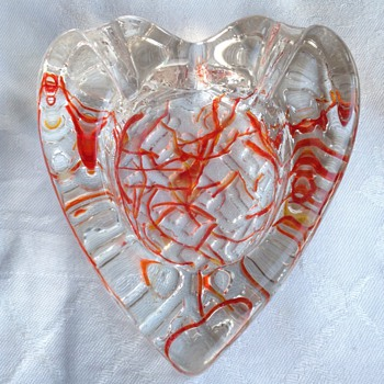 Heart ashtray - Tobacciana