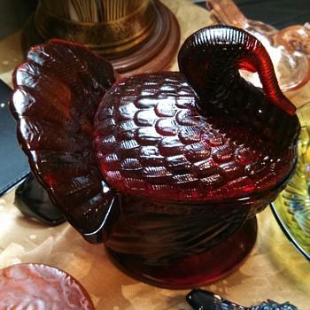L.E Smith Red Glass Turkey Covered Dish - Glassware