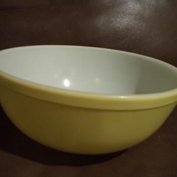 Vintage Pyrex Yellow Mixing Bowl