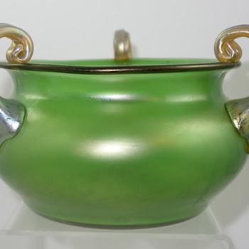 Loetz Ausführung 9 Vase/Bowl, Prod Nr. II-4729, ca. 1907 - Art Glass