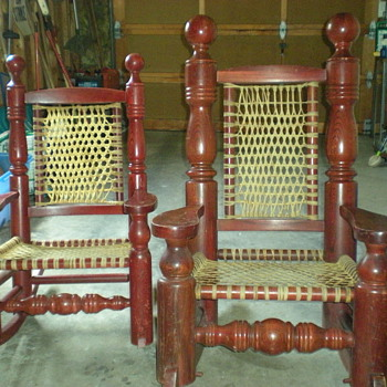 UNIQUE ROCKING CHAIRS