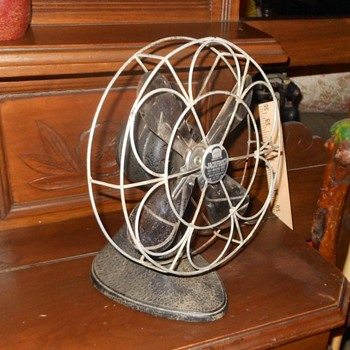 "Knapp-Monarch Jack Frost 8"" Fan 1930"