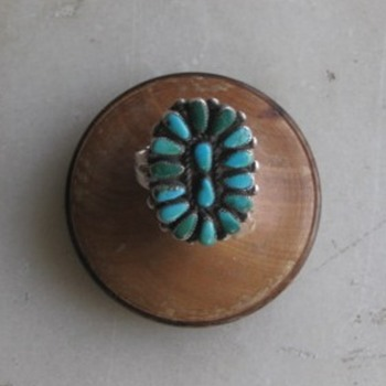 Zuni petti point turquoise ring